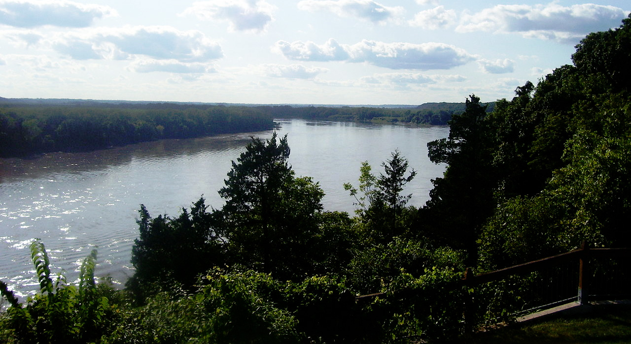 Missouri River near Rocheport, Missouri. Photo by Aimee Castenell / Wikimedia.